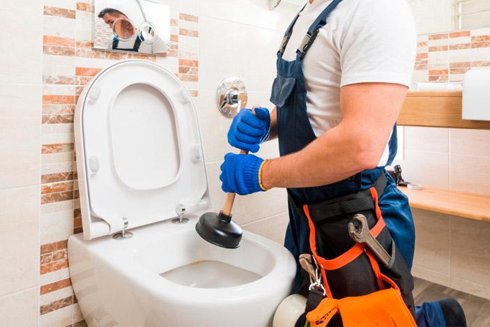 Las principales causas de atascos de tuberías en casa